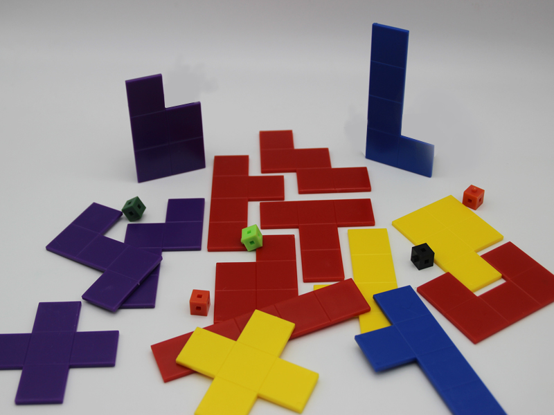 Pentominoes Puzzle.1
