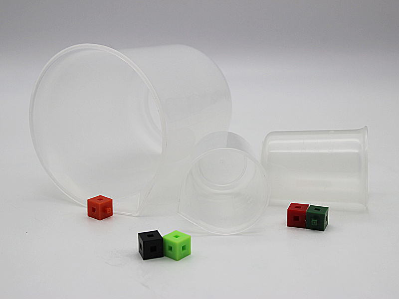 Plastic Beakers1