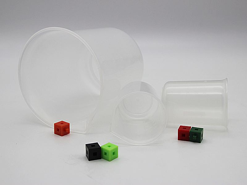 Plastic Beakers1